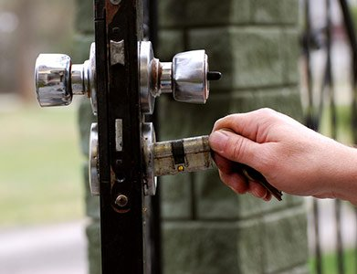 Neighborhood Locksmith Store Tampa, FL 813-778-0346